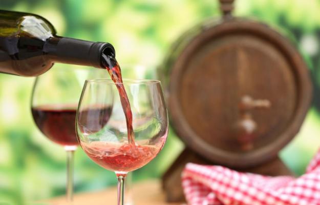 葡萄酒产业欲借90后翻盘 假道网红瞄准小众生意